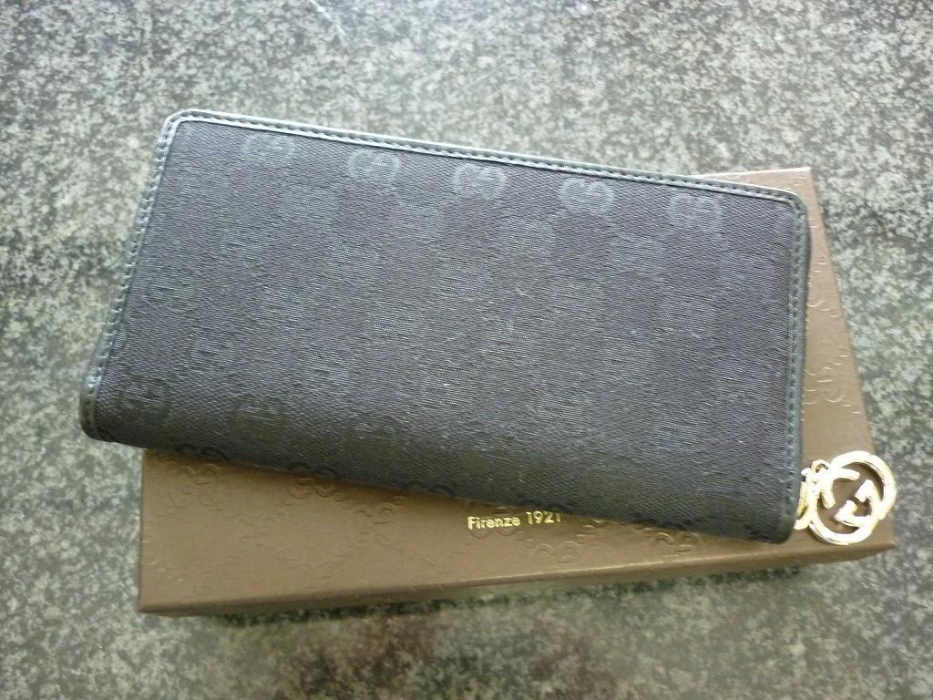 グッチラウンドファスナー式長財布
